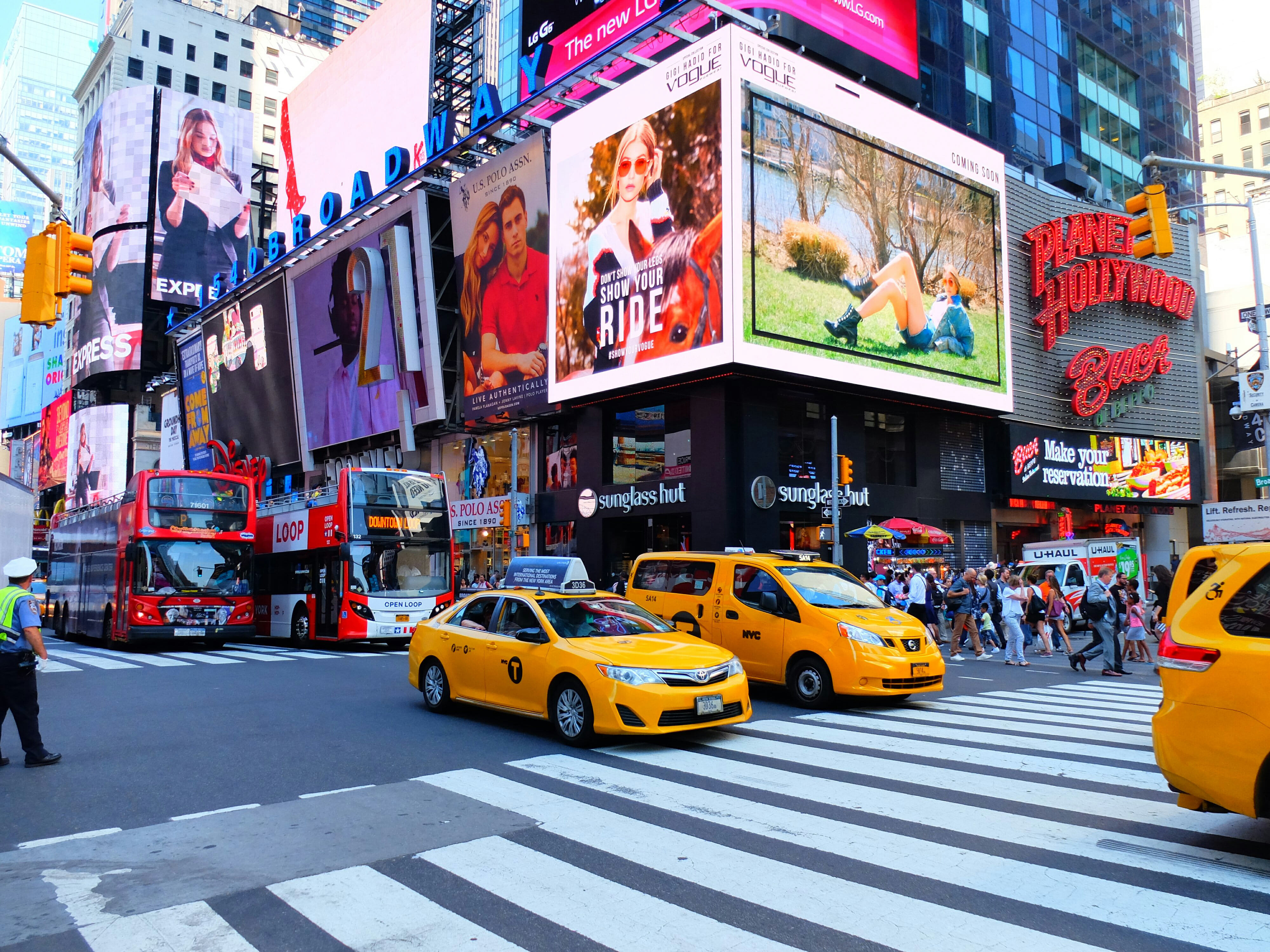 Taxis on Times Square High Quality Wallpaper
