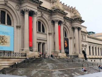 Elokuvien ja sarjojen kuvauspaikat New Yorkissa - Gossip Girl Metin portaat