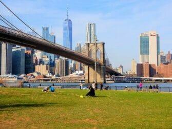 Elokuvien ja sarjojen kuvauspaikat New Yorkissa - Sinkkuelämää Brooklyn Bridge