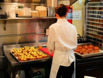 Parhaat donitsit New Yorkissa - Dominique Ansel Bakeryn sisällä