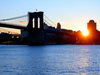 South Street Seaport New Yorkissa - Brooklyn Bridge
