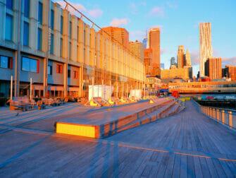 South Street Seaport New Yorkissa - Auringonnousu