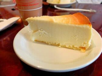 Paras cheesecake New Yorkissa - Junior's