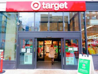 Supermarketit New Yorkissa - Target New York ulkoa
