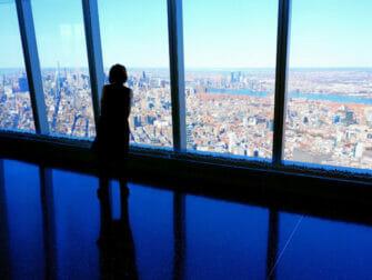 New York rokottaa turisteja - One World Trade New Yorkissa