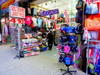 New York rokottaa turisteja - Kauppa Times Squarella