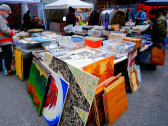 Kirpputorit New Yorkissa - Chelsea Flea Market Manhattan