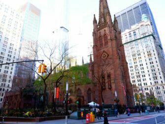 Opastetut Hamilton-kierrokset New Yorkissa - Trinity Church