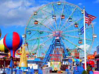 Deno's Wonder Wheel Amusement Park Coney Islandilla - Maailmanpyörä