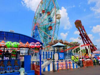 Deno's Wonder Wheel Amusement Park Coney Islandilla - Laitteet