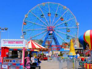 Deno's Wonder Wheel Amusement Park Coney Islandilla