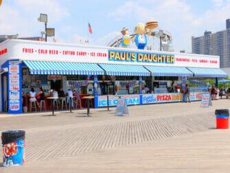 Deno's Wonder Wheel Amusement Park Coney Islandilla - Snack Bar